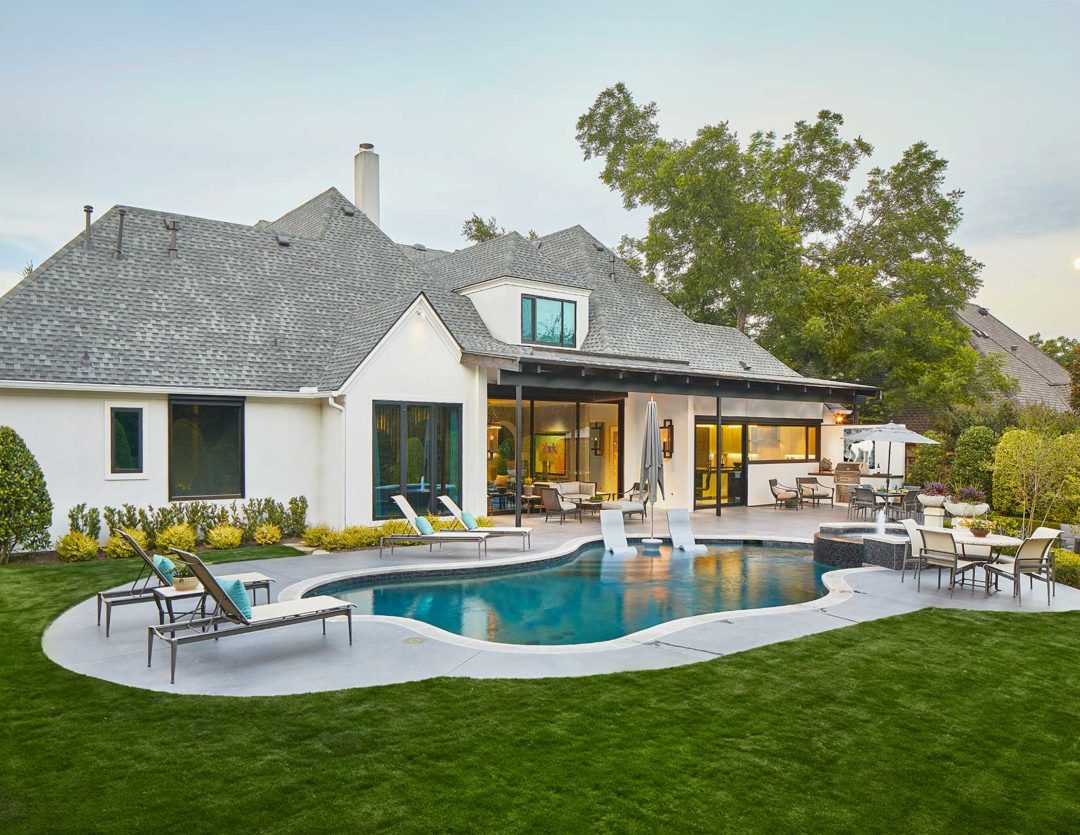 Contemporary Outdoor Living Space In Preston Hollow, Dallas, TX