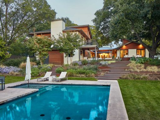 Modern Outdoor Living Space on Devonshire Drive in Dallas, TX